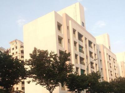 Gallery Cover Image of 620 Sq.ft 1 BHK Apartment for rent in Magarpatta Zinnia, Magarpatta City for 15000