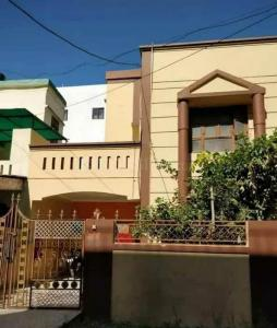 Gallery Cover Image of 1560 Sq.ft 3 BHK Independent House for rent in Govindpura for 25000