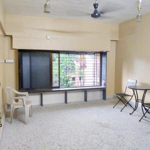 Gallery Cover Image of 850 Sq.ft 2 BHK Apartment for rent in Kamal Kunj CHS, Vile Parle East for 36000