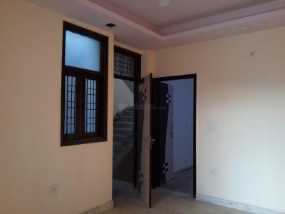 Gallery Cover Image of 750 Sq.ft 2 BHK Apartment for buy in Chhattarpur for 2670000
