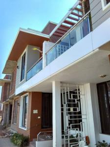 Gallery Cover Image of 425 Sq.ft 1 BHK Independent House for buy in Noida Extension for 2220000
