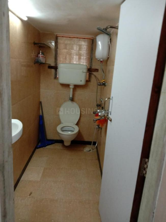 Common Bathroom Image of 1500 Sq.ft 3 BHK Apartment for rent in Andheri West for 82000