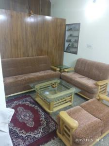 Gallery Cover Image of 925 Sq.ft 2 BHK Independent Floor for rent in Tagore Garden Extension for 17000