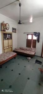 Gallery Cover Image of 150 Sq.ft 2 BHK Independent House for buy in Isanpur for 4050000