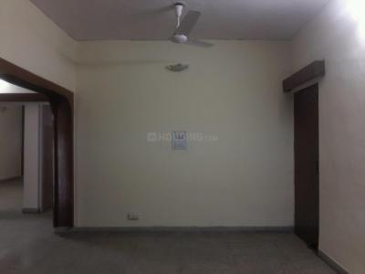 Gallery Cover Image of 2400 Sq.ft 3 BHK Apartment for rent in Mayur Vihar II for 30000