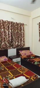 Gallery Cover Image of 450 Sq.ft 1 BHK Independent Floor for rent in Tolly Regency, Regent Park for 12500