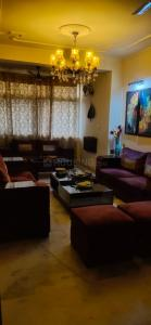 Gallery Cover Image of 1500 Sq.ft 3 BHK Apartment for buy in Sector 21A for 10500000