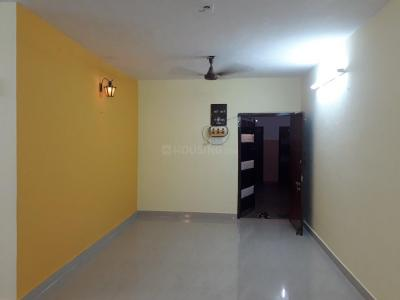 Gallery Cover Image of 1100 Sq.ft 2 BHK Apartment for rent in Choolaimedu for 20000