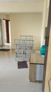 Gallery Cover Image of 1200 Sq.ft 2 BHK Apartment for rent in Ellora CoperativeSociety, Andheri East for 40000