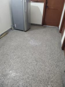 Gallery Cover Image of 450 Sq.ft 1 BHK Independent Floor for rent in Old Double Storey, Lajpat Nagar for 18000