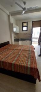 Gallery Cover Image of 540 Sq.ft 1 RK Independent Floor for rent in Sector 57 for 12000
