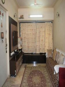 Gallery Cover Image of 1050 Sq.ft 2 BHK Apartment for buy in Malad East for 18000000