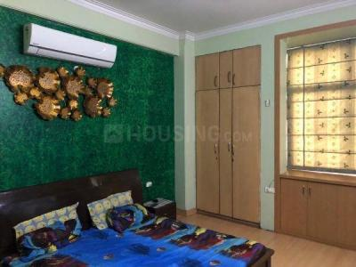 Gallery Cover Image of 2350 Sq.ft 4 BHK Apartment for rent in Ramprastha The Platinum, Vaishali for 40000