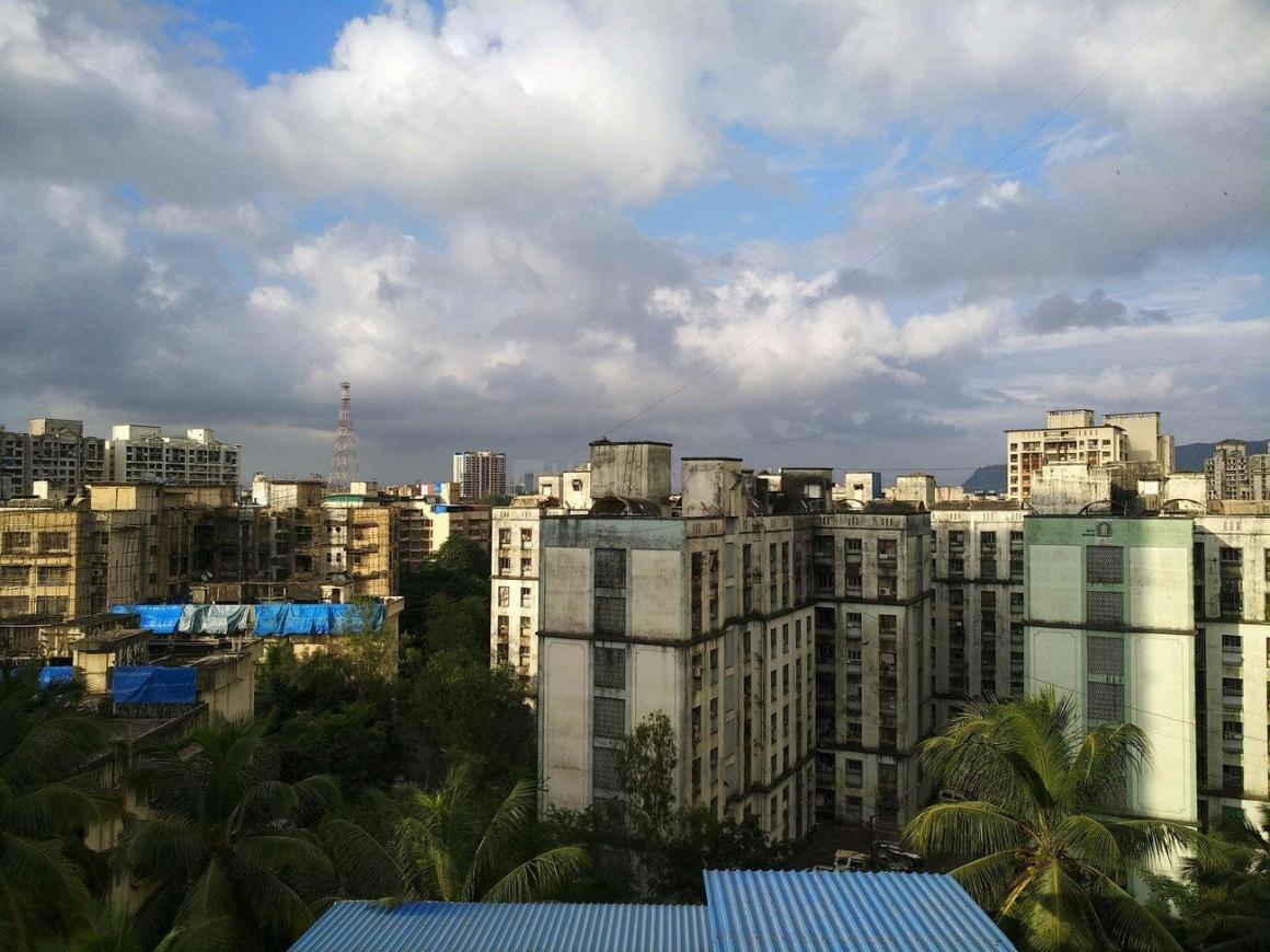 Living Room Image of 1500 Sq.ft 3 BHK Apartment for buy in Mulund East for 21000000