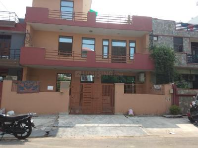 Gallery Cover Image of 2250 Sq.ft 3 BHK Apartment for rent in Sector 51 for 20000