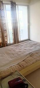 Gallery Cover Image of 700 Sq.ft 1 BHK Apartment for rent in Khar East for 55000