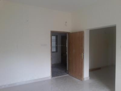 Gallery Cover Image of 1000 Sq.ft 2 BHK Apartment for rent in Valasaravakkam for 35000