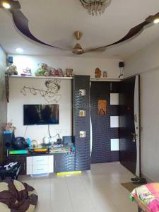 Gallery Cover Image of 300 Sq.ft 1 RK Apartment for rent in Kandivali West for 15000