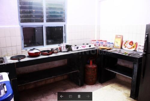 कांदिवली ईस्ट में किच्चन इमेज ऑफ लौरा'एस नेस्ट