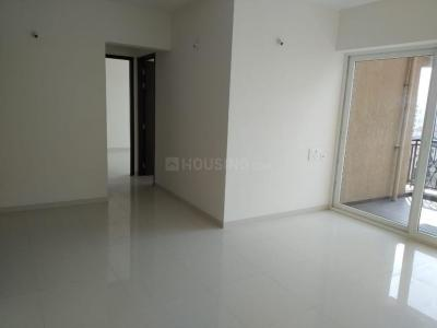 Gallery Cover Image of 950 Sq.ft 2 BHK Apartment for rent in Nyati Elysia I, Kharadi for 20000