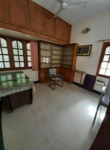 Gallery Cover Image of 1000 Sq.ft 3 BHK Independent Floor for rent in Renganatha Puram for 15000