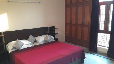 Gallery Cover Image of 800 Sq.ft 1 BHK Apartment for rent in Sector 52 for 9999