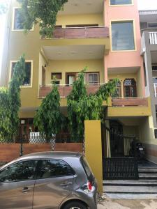 Gallery Cover Image of 1560 Sq.ft 2 BHK Independent Floor for rent in Palam Vihar for 25000