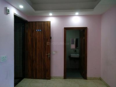 Living Room Image of 930 Sq.ft 2 BHK Apartment for rent in Royal Residency, sector 73 for 12100
