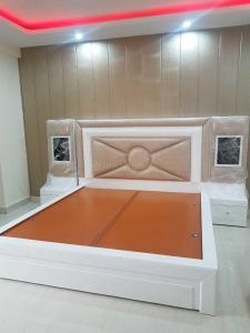 Gallery Cover Image of 1600 Sq.ft 3 BHK Independent Floor for buy in Green Field Colony for 7500000