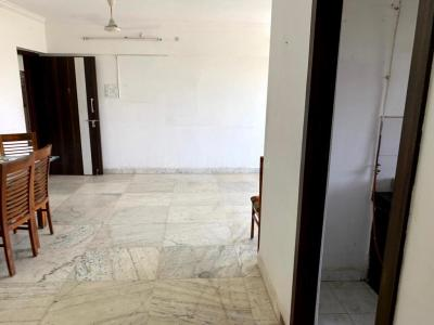 Gallery Cover Image of 800 Sq.ft 2 BHK Apartment for rent in Dadar West for 40000