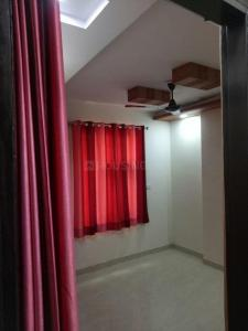 Gallery Cover Image of 2000 Sq.ft 3 BHK Independent Floor for rent in Sector 8 Dwarka for 24000