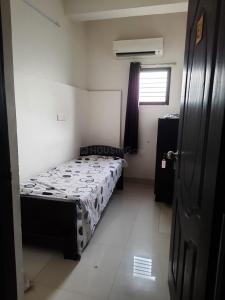 Bedroom Image of Lissome Girls Stay in Medavakkam