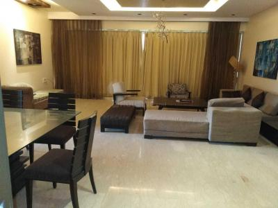 Gallery Cover Image of 3222 Sq.ft 4 BHK Apartment for rent in Khar West for 300000