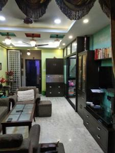 Gallery Cover Image of 1630 Sq.ft 3 BHK Apartment for rent in Gariahat for 75000