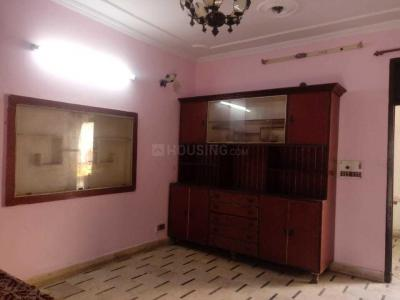Gallery Cover Image of 400 Sq.ft 1 RK Independent Floor for rent in Sector 8 Rohini for 8000