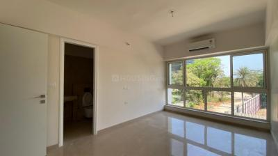 Gallery Cover Image of 2600 Sq.ft 4 BHK Apartment for rent in Godrej The Trees, Vikhroli East for 150000