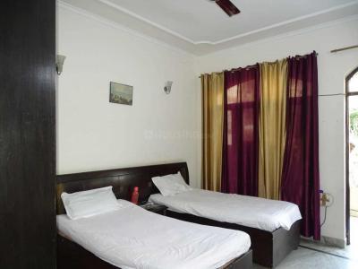 Bedroom Image of Neeta's PG in Sector 43
