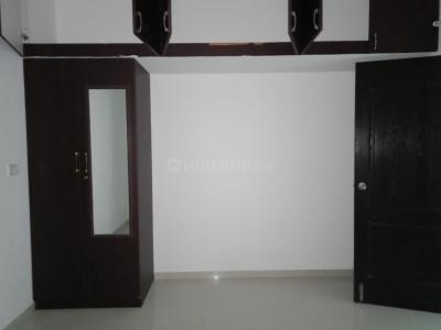 Gallery Cover Image of 1503 Sq.ft 2 BHK Apartment for rent in Kovilambakkam for 18000