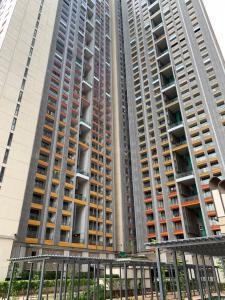 Gallery Cover Image of 719 Sq.ft 1 BHK Apartment for buy in Lodha New Cuffe Parade, Sion for 17700000