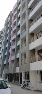 Gallery Cover Image of 975 Sq.ft 2 BHK Apartment for buy in Raas Leela Vrindavan, Mira Road East for 7315000