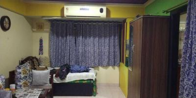 Gallery Cover Image of 425 Sq.ft 1 BHK Apartment for buy in Prabhadevi for 15500000