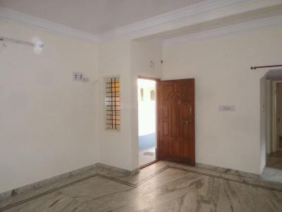 Gallery Cover Image of 850 Sq.ft 2 BHK Apartment for rent in Rajajinagar for 15000