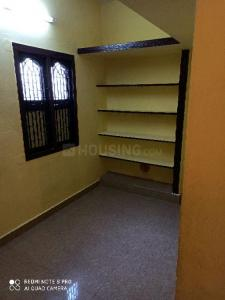 Gallery Cover Image of 650 Sq.ft 1 RK Independent House for rent in Arumbakkam for 4500