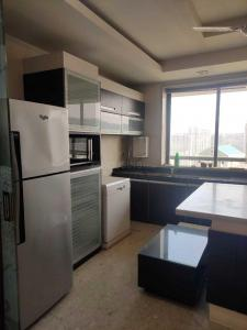 Gallery Cover Image of 2775 Sq.ft 4 BHK Apartment for rent in Powai for 180000