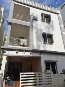 Gallery Cover Image of 3000 Sq.ft 5 BHK Independent House for rent in Nizampet for 25000