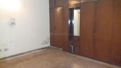 Gallery Cover Image of 1500 Sq.ft 3 BHK Apartment for rent in Sarita Vihar for 30000