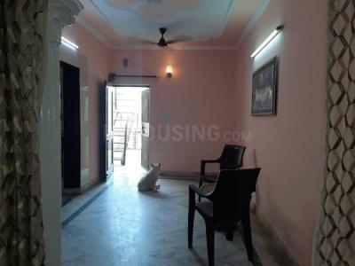 Gallery Cover Image of 750 Sq.ft 2 BHK Independent Floor for rent in Vikaspuri for 15000