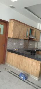 Gallery Cover Image of 2200 Sq.ft 3 BHK Independent House for rent in Sector 20 for 33000