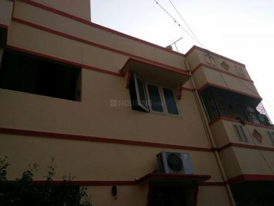 Gallery Cover Image of 930 Sq.ft 2 BHK Apartment for buy in Selaiyur for 5800000