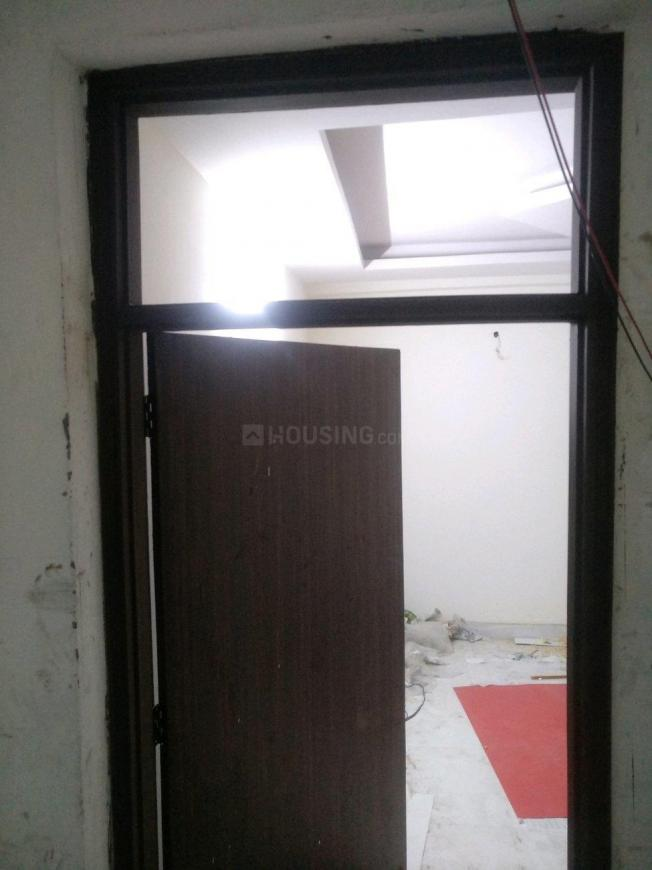 Main Entrance Image of 550 Sq.ft 1 BHK Apartment for buy in Chhattarpur for 1400000